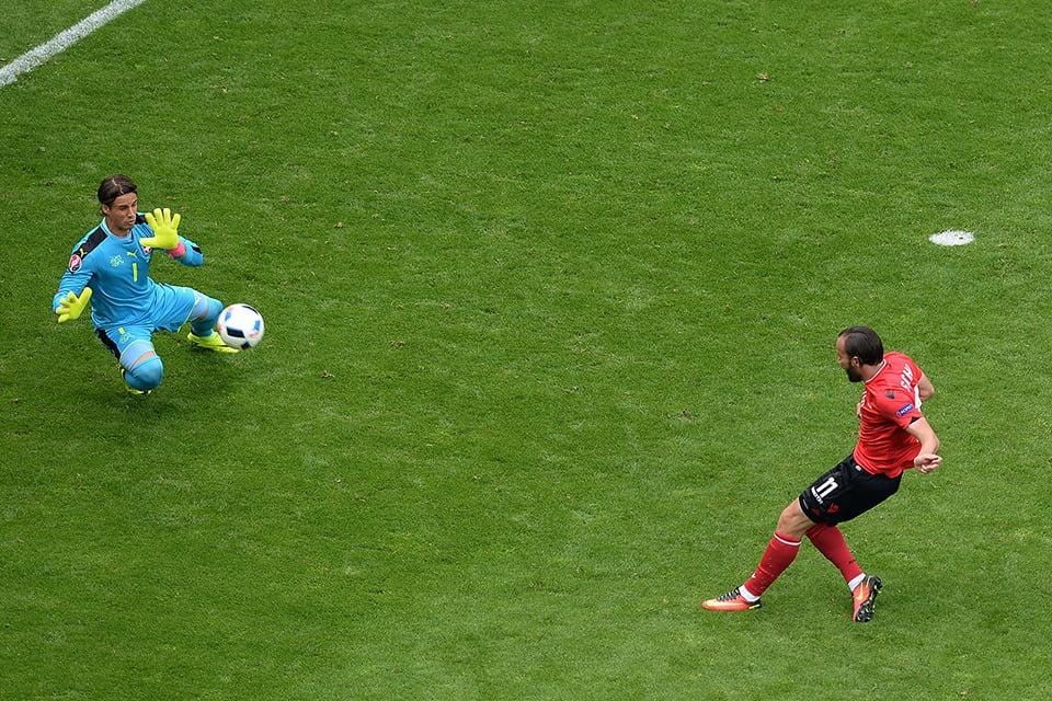 Um dos momentos do jogo Fonte: UEFA