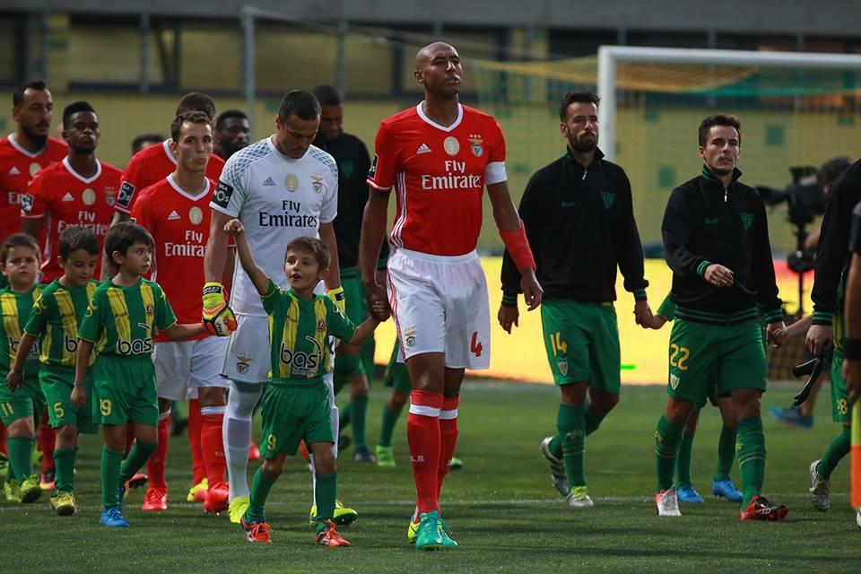 Luisão pertence a um lote exclusivo de homens e jogadores Fonte: SL Benfica