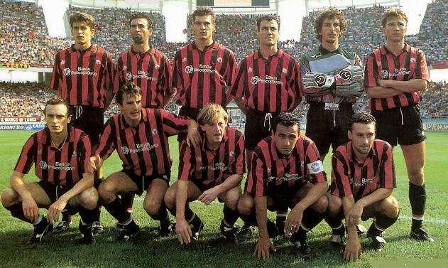 Igor Shalimov ao serviço do US Foggia, em 1991 Fonte: forzaitalianfootball.com