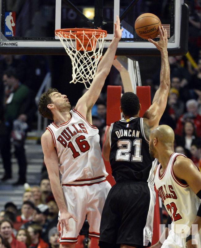 Duncan sai da NBA e Gasol muda-se para os  Fonte: UPI