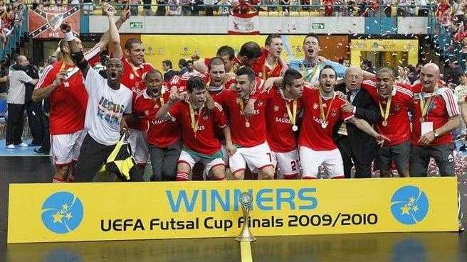 Inspirem-se neste exemplo do SL Benfica e tentem conquistar o troféu Fonte: UEFA