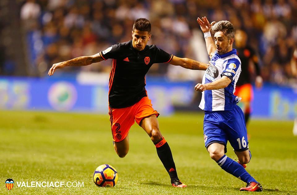 Cancelo tem tentado sacudir o marasmo em que se encontra o clube Fonte: Valência C.F.