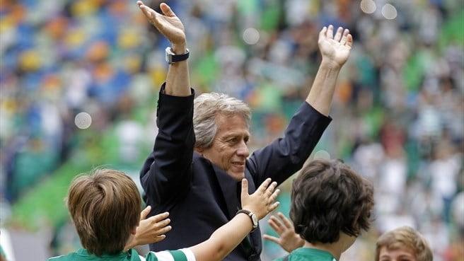 Jorge Jesus não foi feliz nas substituições Fonte: UEFA