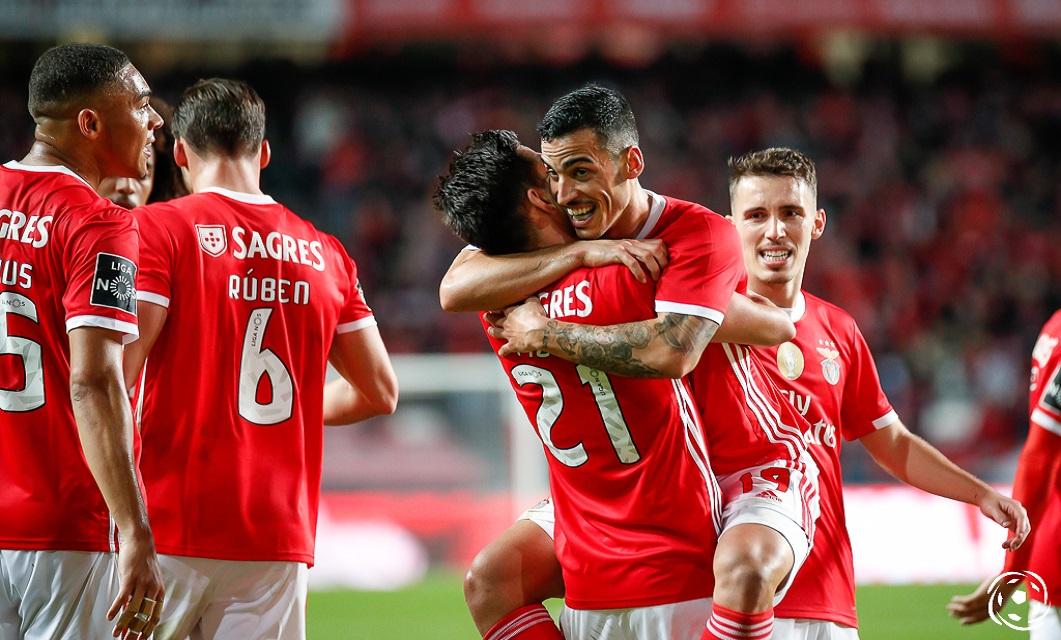 O Vitória SC é um gigante no D. Afonso Henriques onde qualquer jogo tem o carimbo de uma bancada efervescente que eleva a qualidade da sua boa equipa.