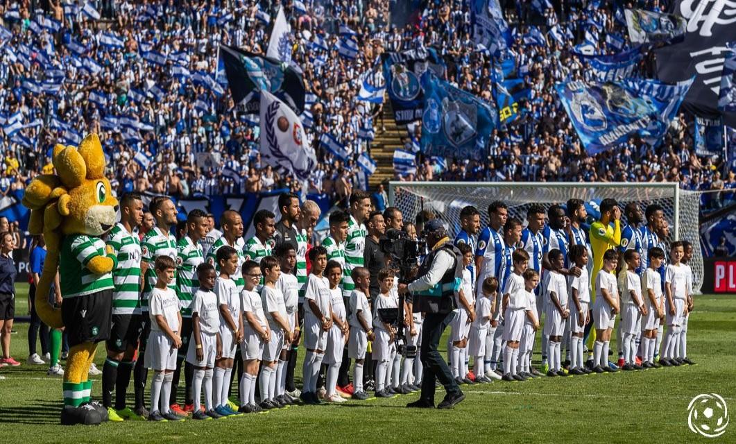 FC Porto x Sporting CP:um dos maiores clássicos do futebol português. o FC Porto acumula em duelos frente ao Sporting CP, para além de três dezenas.