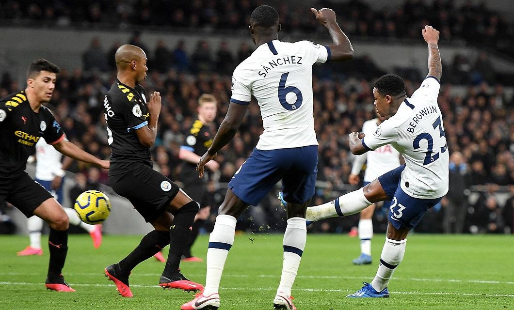 osé Mourinho e Pep Guardiola voltaram a medir forças num duelo entre duas equipas que têm ficado um pouco aquém das expetativas esta temporada.