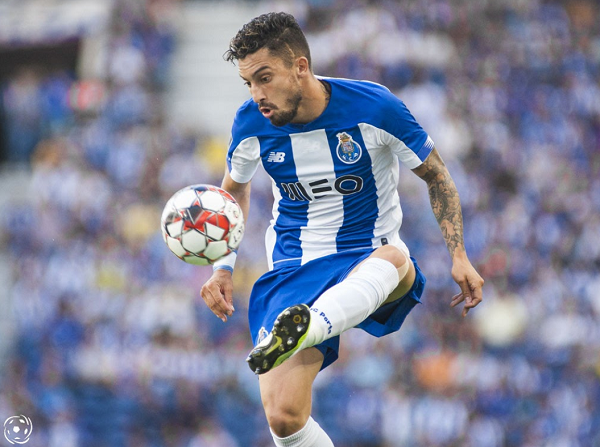 O FC Porto tem um dificílimo teste nos Açores frente ao oitavo classificado da Liga Portuguesa: o CD Santa Clara.Será uma final para os dragões.
