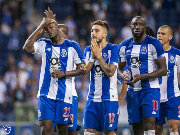 Nas partidas contra o Manchester City e Olympiacos, na Champions, o FC Porto alinhou com Marega na frente, ou seja, apenas um avançado.