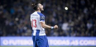 O Bola na Rede elaborou uma lista de cinco jogadores que poderiam encaixar no lugar deixado por Alex Telles, tendo em conta o orçamento do FC Porto.