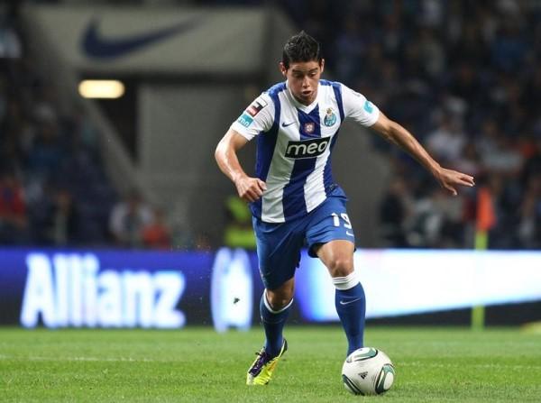 Era sexta-feira de clássico no Estádio da Luz, FC Porto e SL Benficalutavam de forma aguerrida pela liderança isolada da edição 2011/12 do campeonato