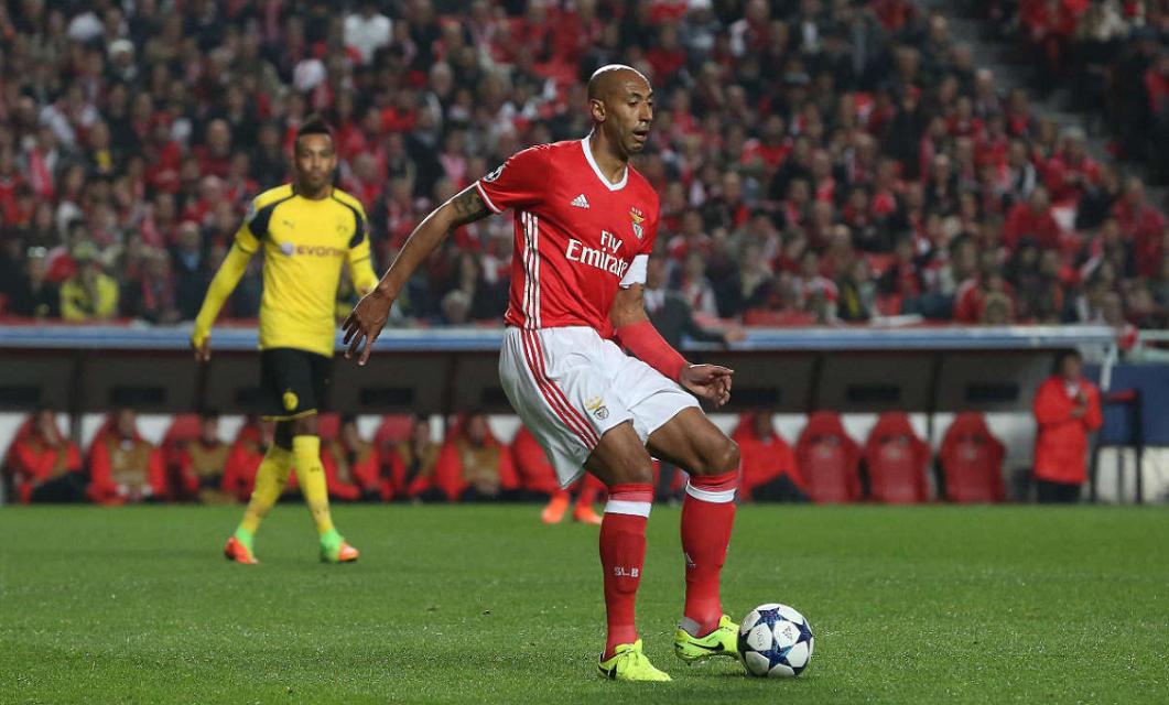 O SL Benfica de Rui Vitória e o BVB Dortmund de Thomas Tuchel jogavam a primeira mão dos oitavos de final da Liga dos Campeões 2016/2017.