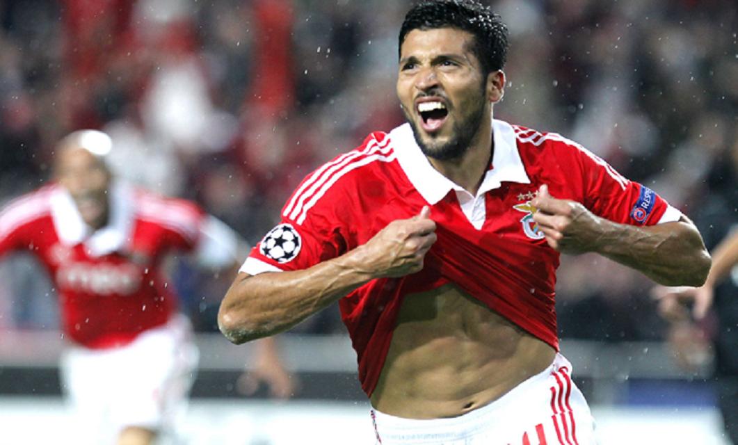 Ezequiel Garay foi um dos jogadores que passou pela defesa do SL Benfica a marcar mais os adeptos encarnados, após chegar à Luz em 2011.
