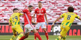O SL Benfica entrou esta tarde, frente ao CD Tondela, ciente de que uma vitória podia significar a subida à primeira posição da Primeira Liga.