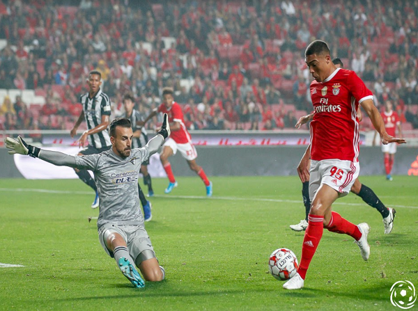 Vinícius poderá ser o goleador que falta ao SL Benfica