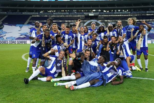 12 pontos nos clássicos como só Mourinho havia feito no FC Porto. os 12 pontos conquistados diante dos principais rivais. do Mourinho
