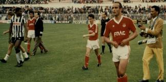 O SL Benfica teve na sua história vários equipamentos de beleza inegável e que estão inevitavelmente ligados às conquistas dos anos em que foram usados.