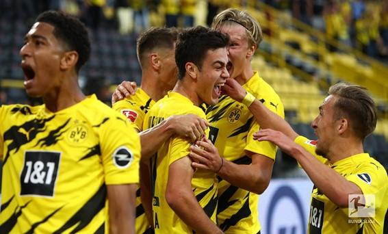 """O Borussia Dortmund vence com justiça e começa a temporada com o """"pé direito"""". Já o Borussia Monchengladbach vai precisar de """"afinar melhor a máquina"""""""
