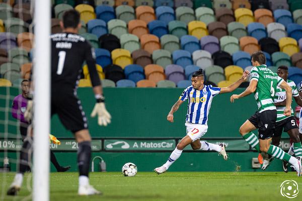 A Juventus FC soma 14 golos marcados e 4 sofridos, ao mesmo tempo que o FC Porto soma 10 golos marcados e 3 sofridos nesta edição