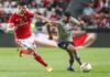 A posição 6 do SL Benfica tem suscitado várias dúvidas a Jorge Jesus, que já experimentou Gabriel, Andreas Samaris e Julian Weigl no lugar.