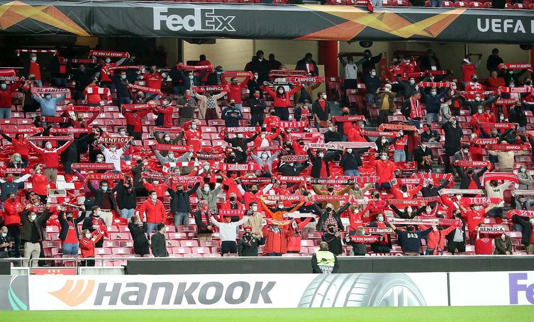 O SL Benfica já teve adeptos no estádio esta época.