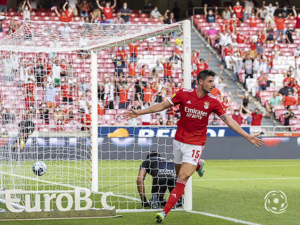 Roman Yaremchuk leva já um golo e duas assistências em apenas três jogos no SL Benfica